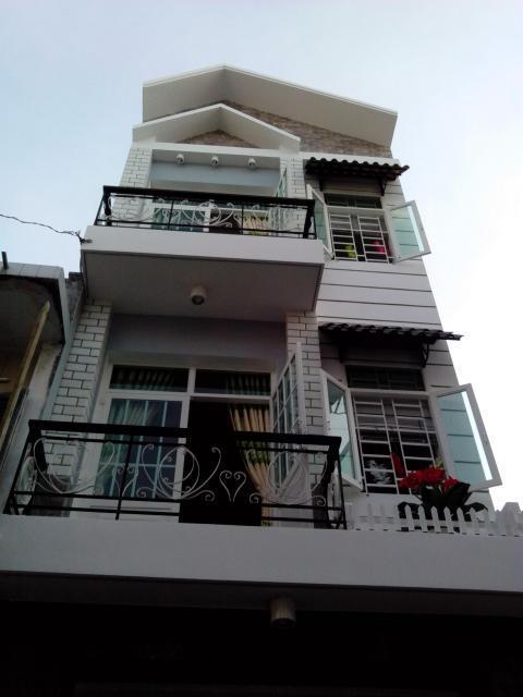 Bán nhà đẹp 4,2 x 16m, đúc 2 tấm rưỡi,hẻm thông, Giá 1 tỷ 550 triệu