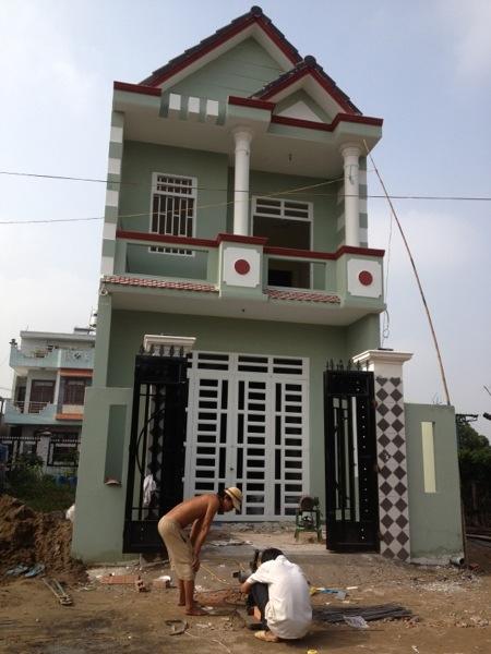 Bán gấp nhà mới, Sổ Hồng gần chợ Hiệp Thành,Q12, Giá 550 triệu, đường 16m