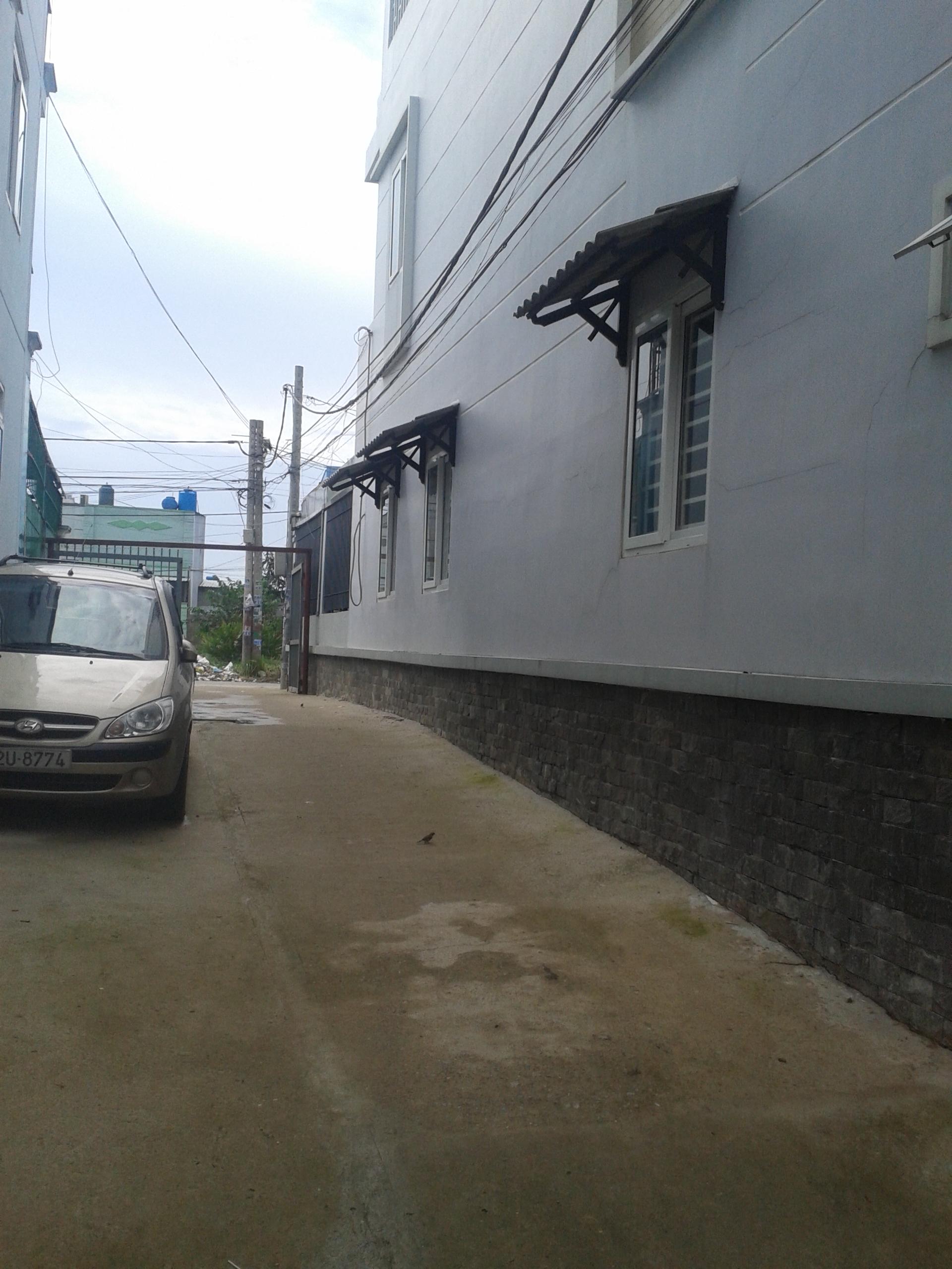 """Bán nhà Sổ Hồng Riêng, đường thông""""xe hơi"""", Giá 550 triệu. P.Thới An Q12"""